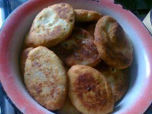 Паляниці з гречкою та картоплею